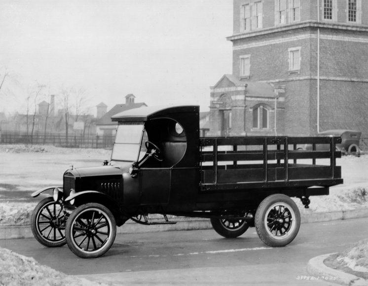 1924_ford_model_tt_stake_bed_truck_neg_39952