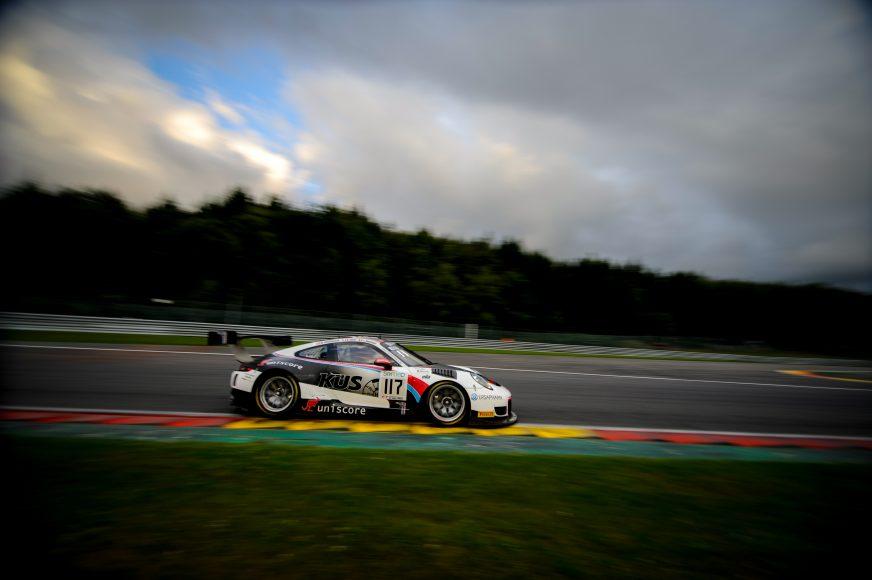 Porsche 911 GT3 R (117), KÜS Team75 Bernhard: Laurens Vanthoor, Kevin Estré, Michael Christensen