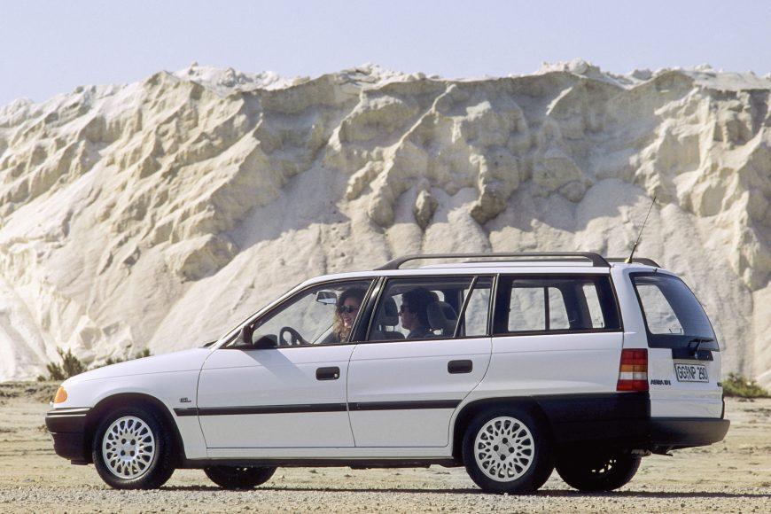 Millionaire: 1991 Opel Astra F Caravan.